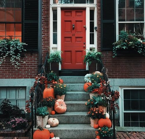 Sasha Prasastika Captures a Beautiful Fall Doorstep